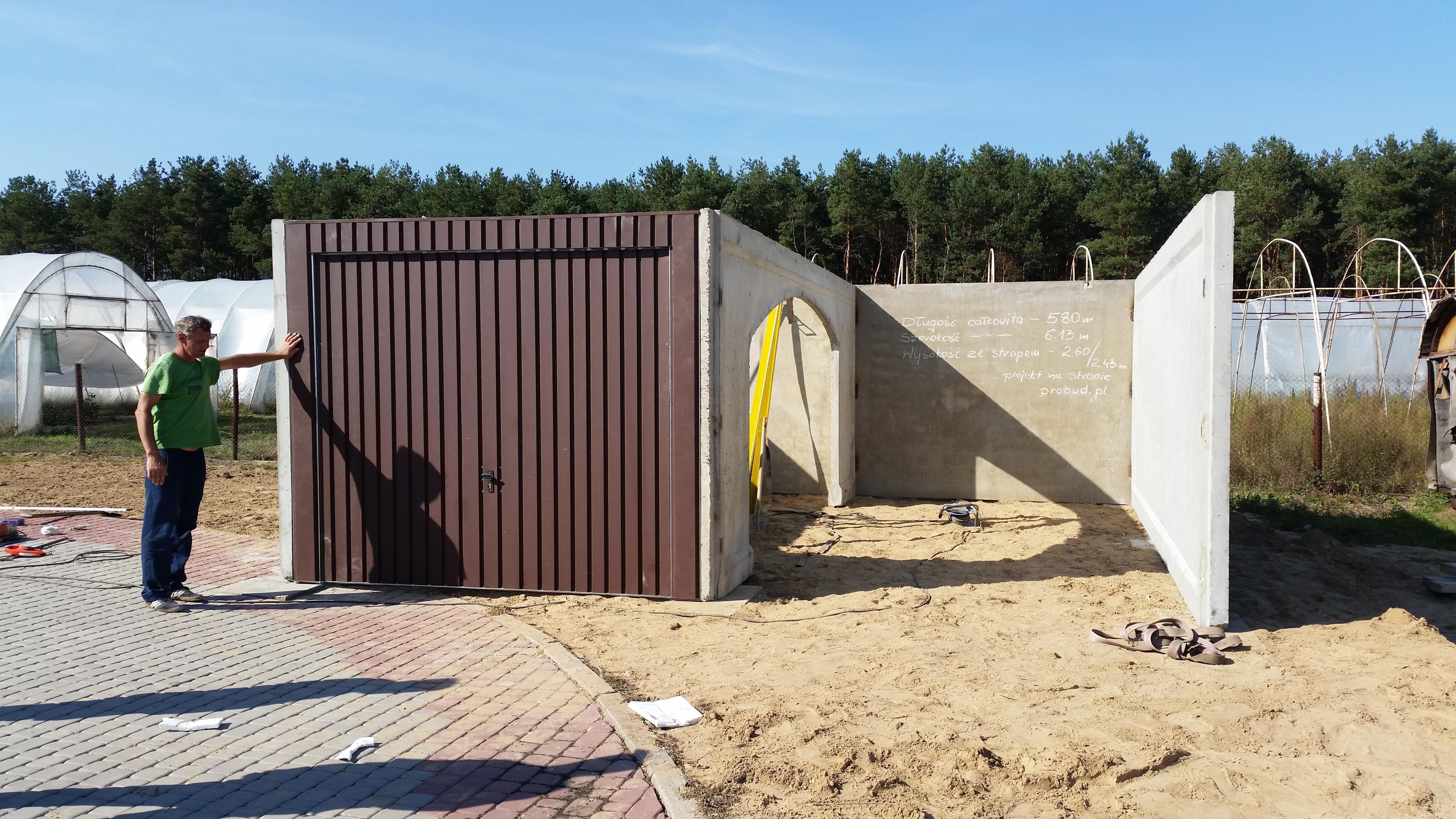 Tylko na zewnątrz Garaże betonowe z płyt i monolityczne - P.P.H. Probud EQ79
