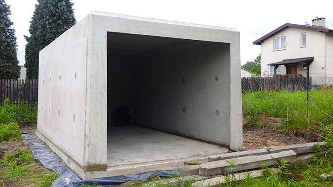 garaż na płycie fundamentowej