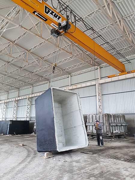 produkcja szamba betonowego - przewracanie