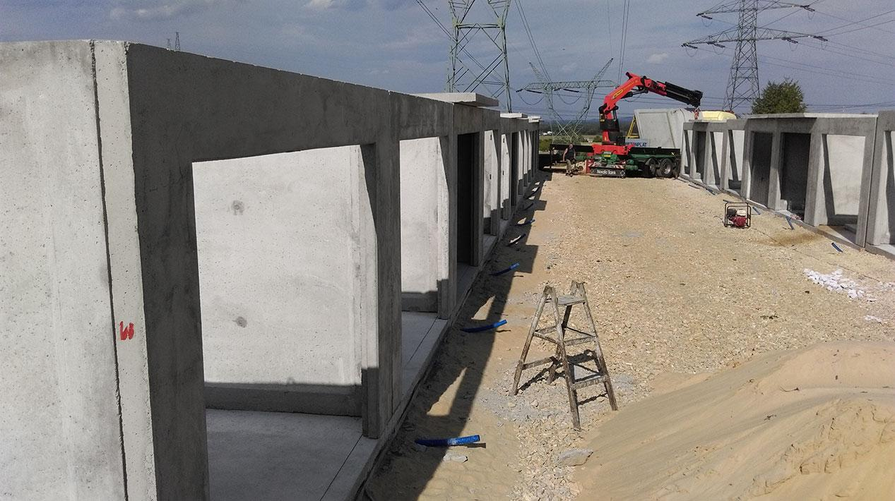 Bardzo dobra Garaże betonowe z płyt i monolityczne - P.P.H. Probud VF63